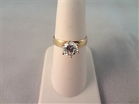 14K Gold Ring (1) Solitaire Round Cubic Zirconia Ring Size 6.75