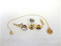 Group of 10k Gold Jewelry: Pins, Necklace, Pendant